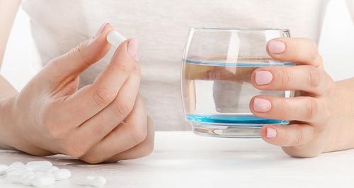 雑穀麹の生酵素サプリとそれを飲むための水