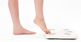 体重計と脚