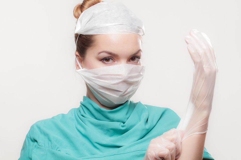 女性_外科医