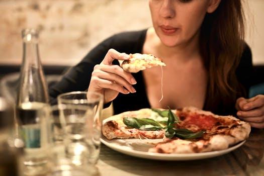 【絶対痩せたい女性必見】食べなくても太る?太りやすい40代ダイエットを成功させる4つの柱