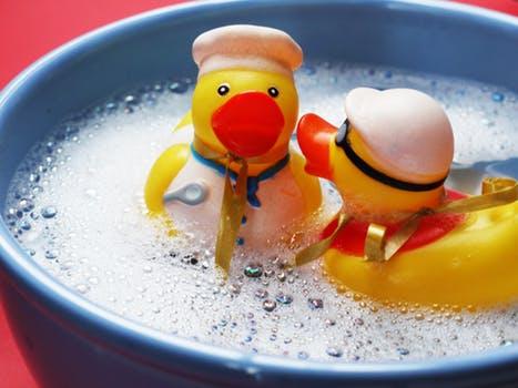 入浴イメージ・おもちゃのアヒル