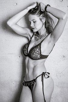 ダンサー体型の女性