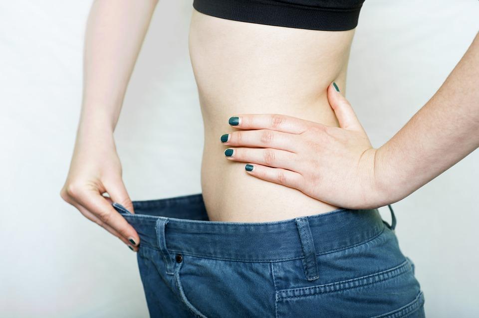 筋肉量を増やすには筋トレがマスト!インナーマッスル強化でムキムキにならないセクシー腹筋づくり