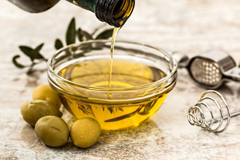 油 オリーブ