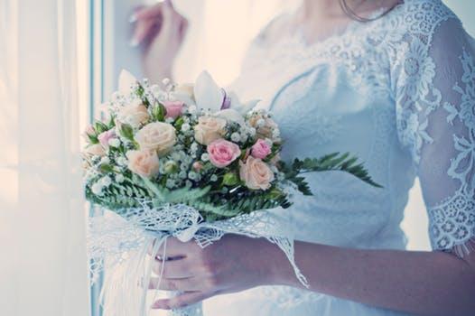 【結婚式までに二の腕ダイエット!】ブライダルエステできれいにドレスを着こなそう